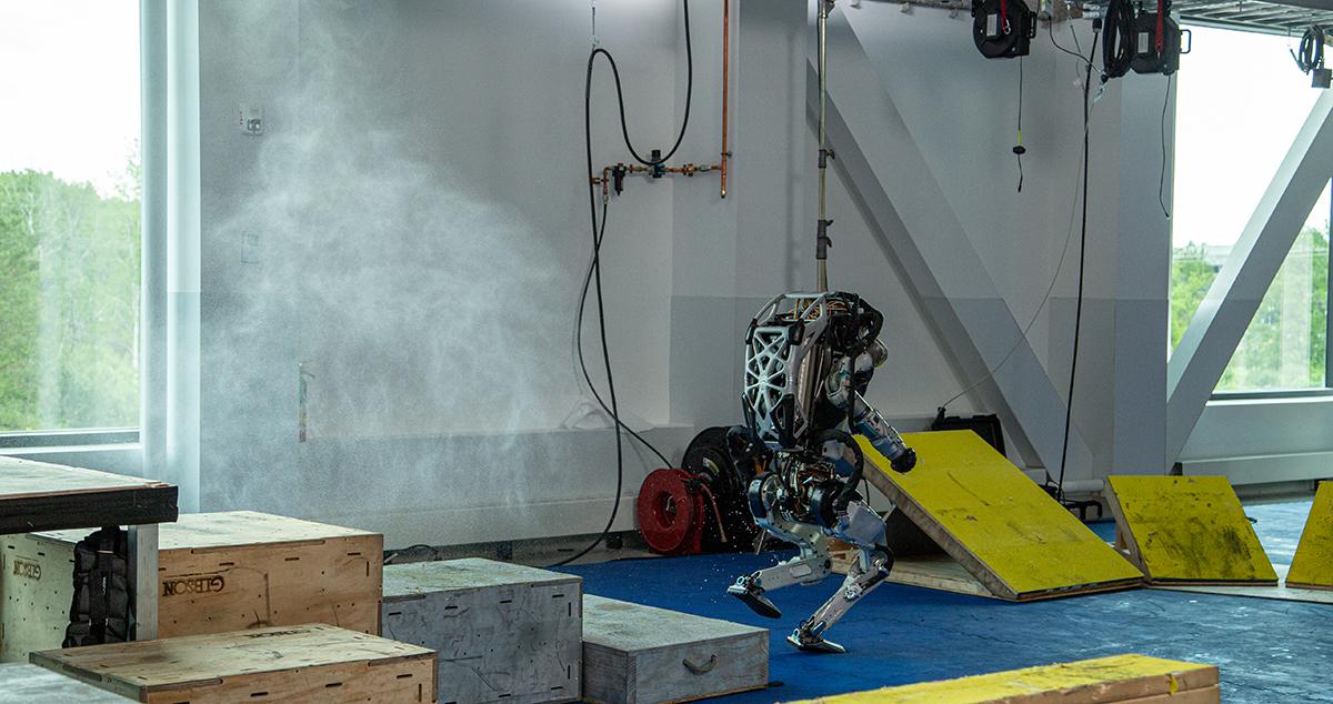Atlas sprays hydraulic fluid from its left knee